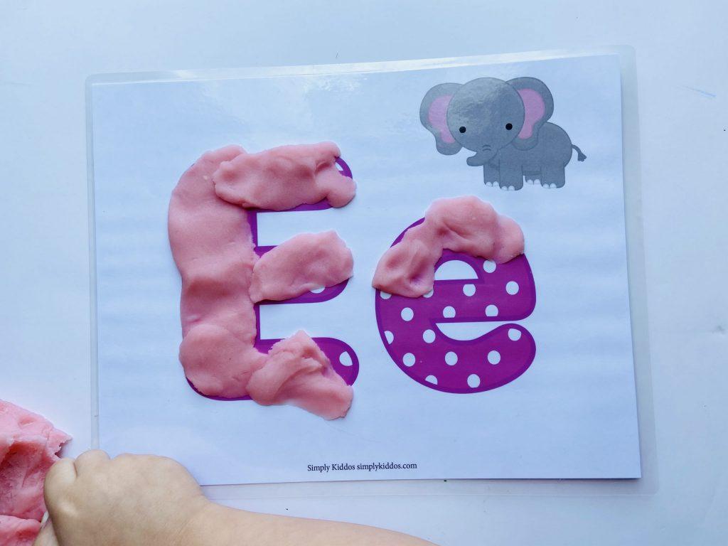 Alphabet-Placemat-Letter-E-